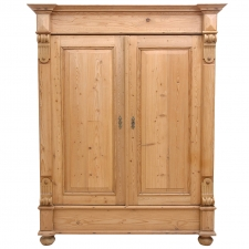 German Grunderzeit Two Door Pine Armoire with Turned Snail's c. 1890