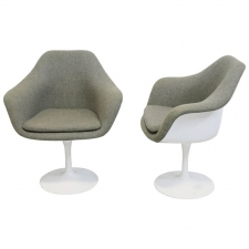 Pair of Vintage Knoll Eero Saarinen Fully Upholstered Tulip Swivel Chairs
