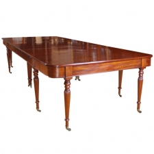 English Sheraton Banquet/ Extension Dining Table in Mahogany, c. 1810