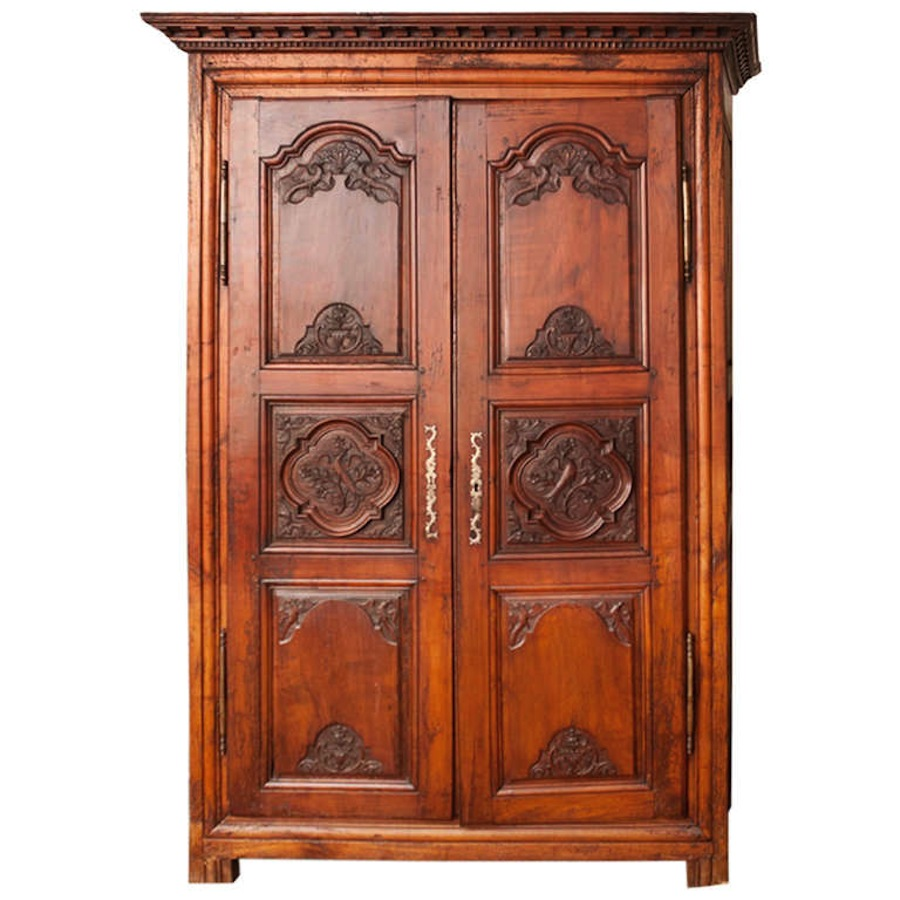 18th Century Antique French Armoire in Walnut with Carved Phoenix - 18th Century Antique French Armoire In Walnut With Carved Phoenix