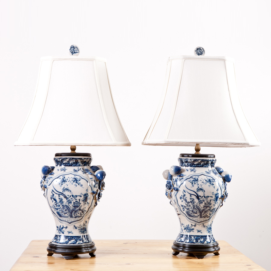 new blue and white chinese export ware porcelain lamps. Black Bedroom Furniture Sets. Home Design Ideas