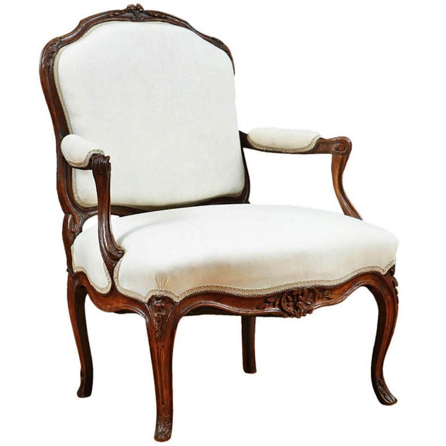 antique french louis xv fauteuil a la reine c 1760. Black Bedroom Furniture Sets. Home Design Ideas