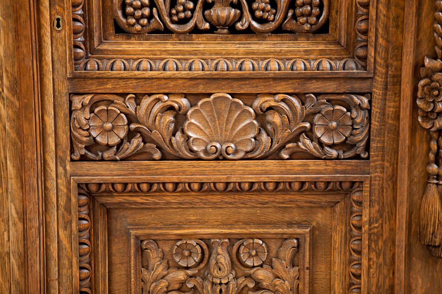 Exceptionnel French Antique Four Door Carved Cabinet With Pierced Panels