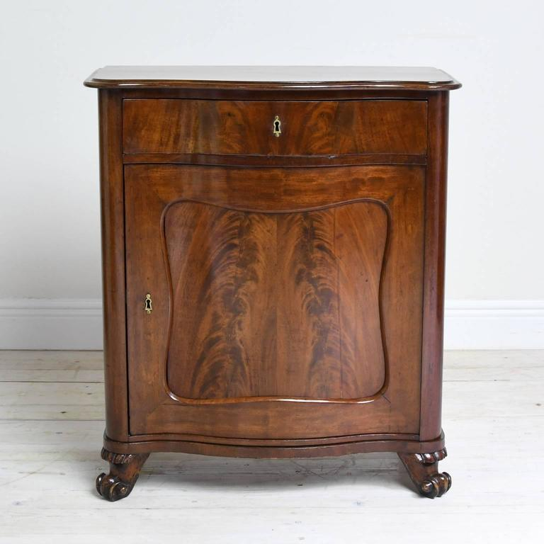 Small 19th Century Cabinet/Chest In Mahogany With Serpentine Front And  Drawer