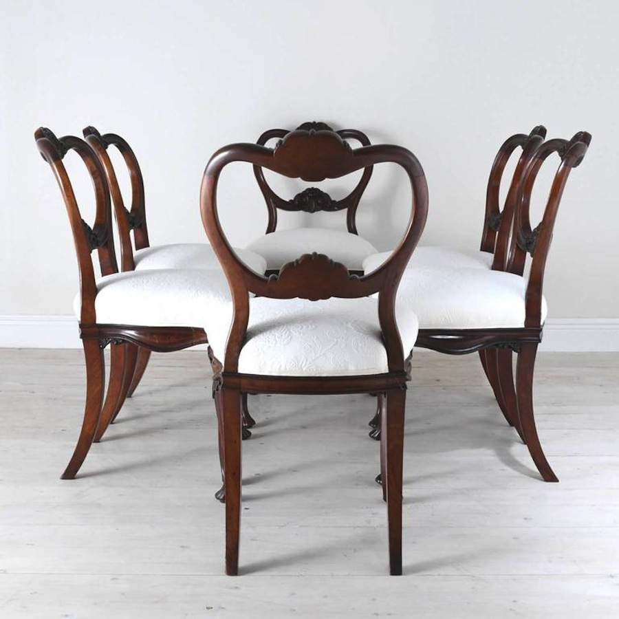 Attrayant Set Of Six Flemish Dining Chairs With Carved Balloon Back And Upholstered  Seat
