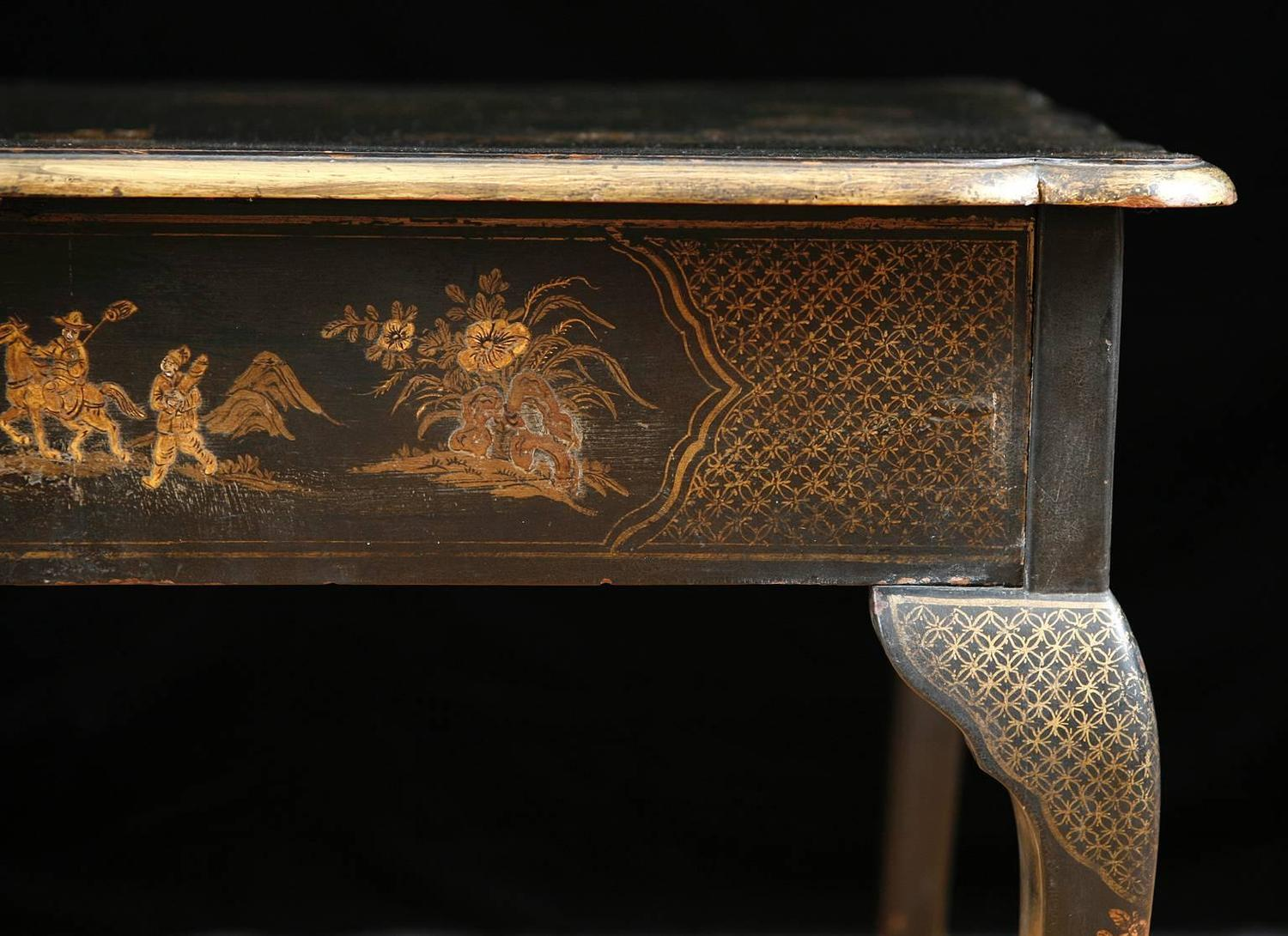 19th Century Black Lacquered Chinoiserie Tea Table With Painted Scenes
