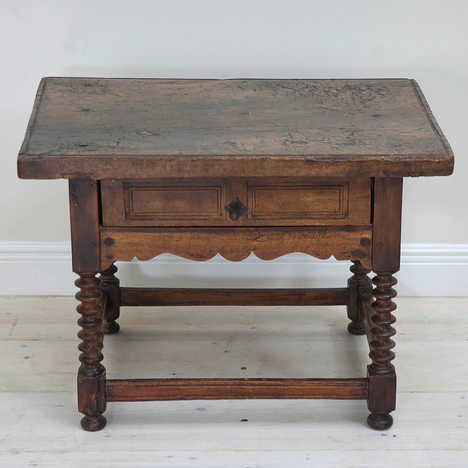 18th Century Rustic Spanish Shoemaker's Table in Walnut - Antique Rustic Spanish Shoemaker's Table In Walnut - Bonnin Ashley