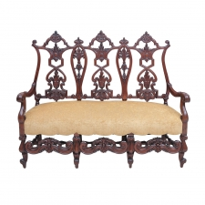 Gilded Age American Neo-Gothic Carved Settee in Mahogany, circa 1890
